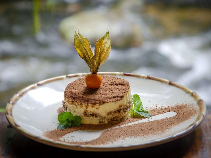 Tiramissú é um prato do Zucchine Ristorante em Visconde de Mauá